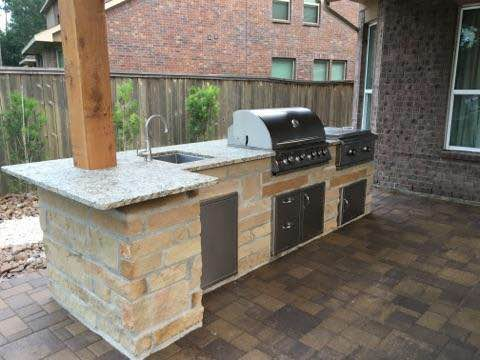 outdoor kitchen builder in houston